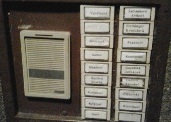 Rekonstrukce domácího telefonu