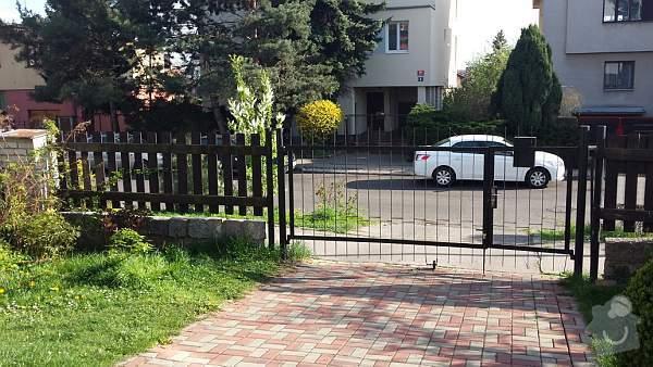 Posuvná brána a předokenní rolety: 20140407_165630