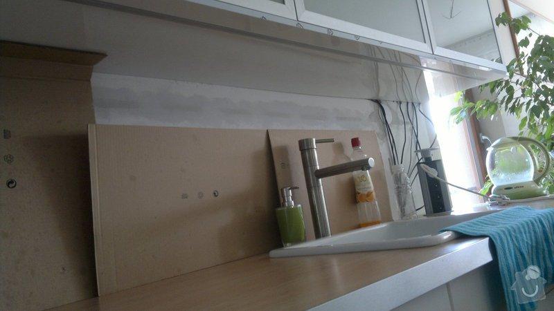 Osvětlení kuchyně a obývacího pokoje (kombinace LED + 220V svítidel): 2012-08-06-3393