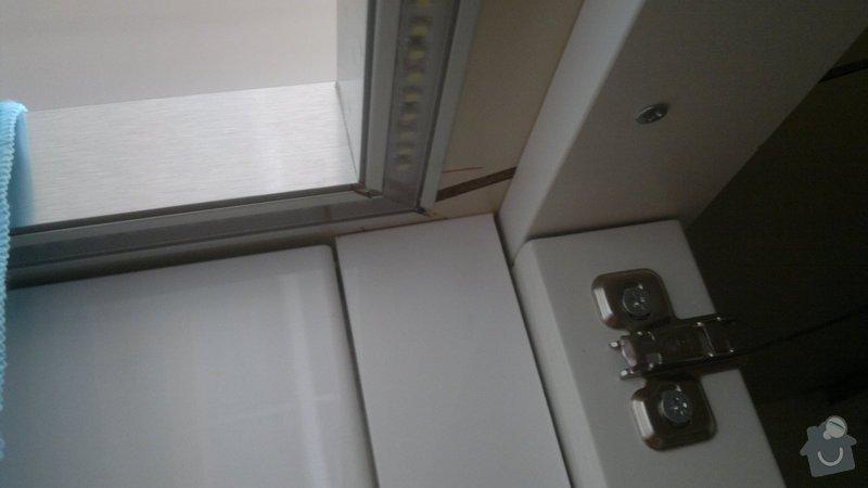 Osvětlení kuchyně a obývacího pokoje (kombinace LED + 220V svítidel): 2012-08-06-3395