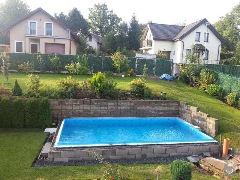 Pokládka lemu bazénu - pískovec na beton: jicha