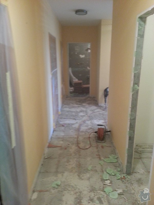 Realizace koupelny,polozeni dlazby v chodbe a kuchyni: 20130408_140730