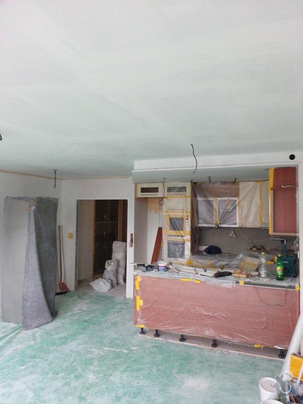 Realizace koupelny,polozeni dlazby v chodbe a kuchyni: 20130422_154309