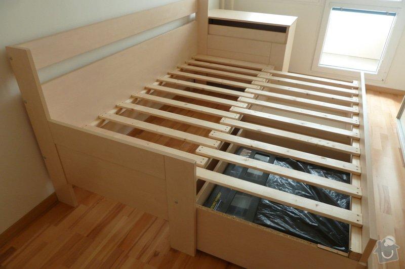 Rozkládací postel a knihovna: P1180267