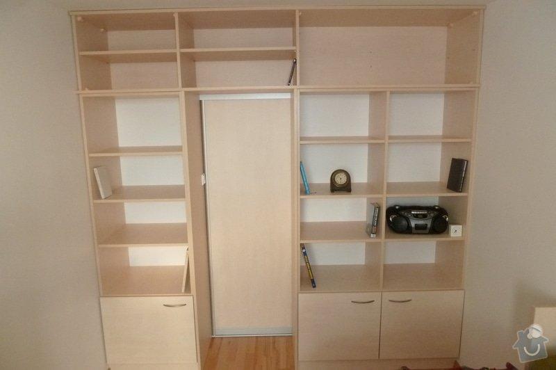Rozkládací postel a knihovna: P1180278