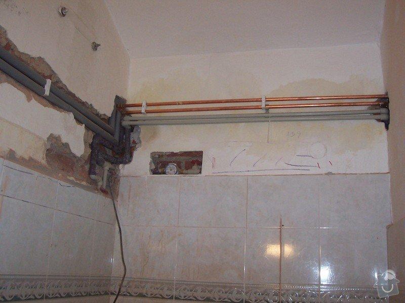 Rekonstrukce koupelny a WC: 100_5306_-_koupelna_-_rozvody