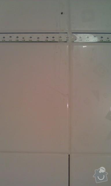 Oprava špatně přilepené dlažby v koupelně, výměna části obkladů + doobložení ve sprchovém koutě, instalace nového sprchového koutu: 2_3-_IMAG1372