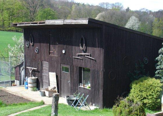 Oprava střechy na hospodařské budově u RD