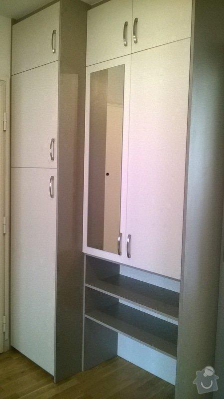 Předsíňová sestava nábytku s posuvnými dveřmi: Predsin_3_