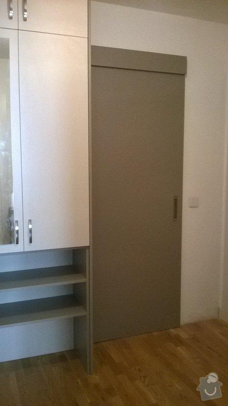 Předsíňová sestava nábytku s posuvnými dveřmi: Predsin_4_