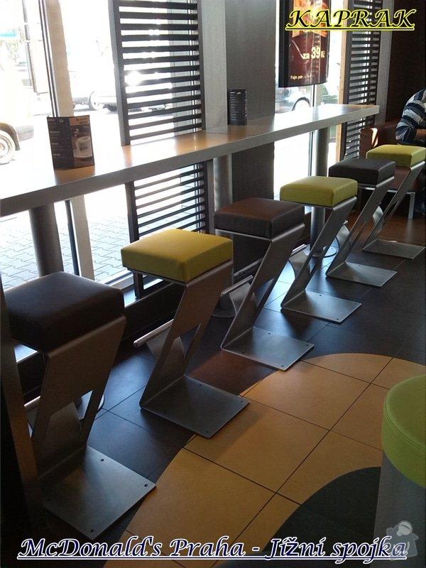 Čalounění restaurace: 281