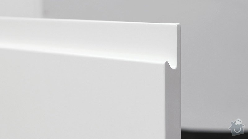 Kuchyňská linka do novostavby: pure_detail_dveri_uchyt