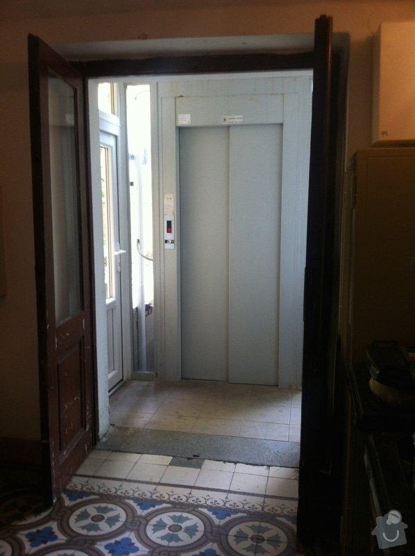 Renovace vstupnich dveri + renovace dveri + nove dvere: IMG_0669