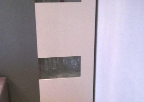 Vestavena skrin, obyvaci stena, postel