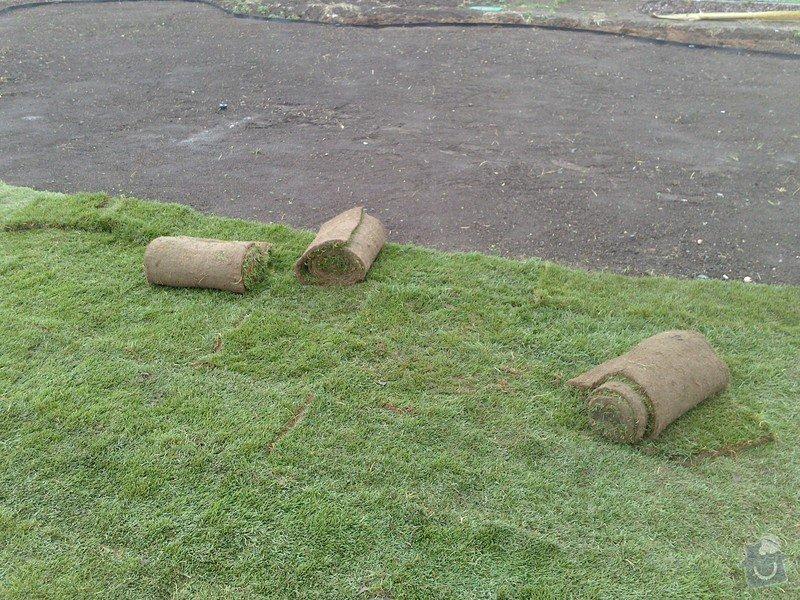 Založení trávníku 320m2 (výsev nebo pokládka koberce): 2013-09-12_07.25.48