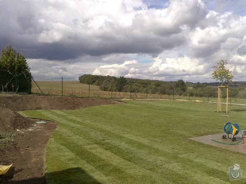 Založení trávníku 320m2 (výsev nebo pokládka koberce): 2013-09-12_12.30.10