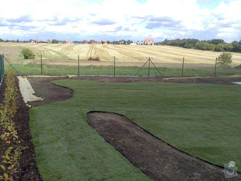 Založení trávníku 320m2 (výsev nebo pokládka koberce): 2013-09-12_12.33.06