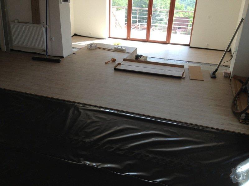 Broušení betonu, vyrovnání podlah samonivelační stěrkou, položení vinylové plovoucí podlahy: IMG_0688