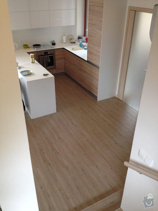 Broušení betonu, vyrovnání podlah samonivelační stěrkou, položení vinylové plovoucí podlahy: IMG_2048
