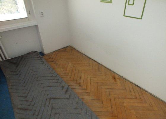 Pokládka vinyl podlahy
