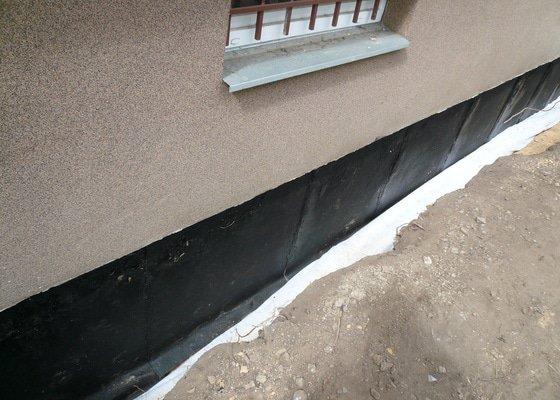 Izolace základu panelového domu