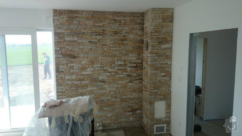 Obklad interiéru umělým kamenem: Zelnicek_3_
