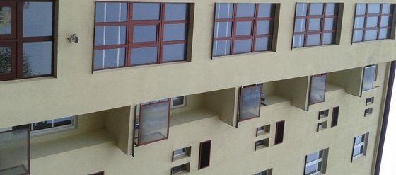 Výměna oken na chodbách