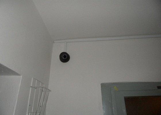 Instalaci kameroveho systemu ve suterenu paneloveho domu
