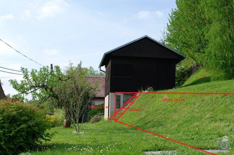Opěrná zeď na zahradě cca 20 x 1,8 m: od_domu_k_domku