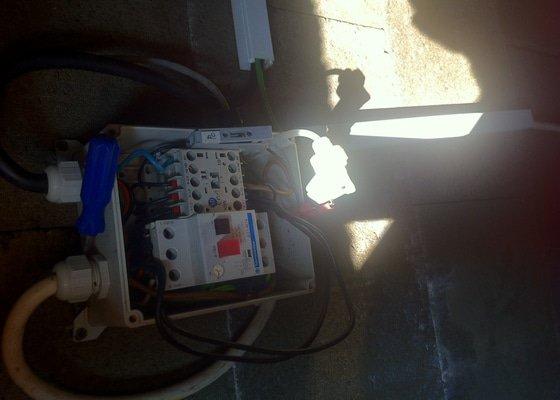 Kontrola elektroinstalace v bazénové šachtě