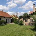 Uprava a revitalizace zahrady po dokoncene rekonstrukci domu p8010139