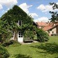 Uprava a revitalizace zahrady po dokoncene rekonstrukci domu p8010142