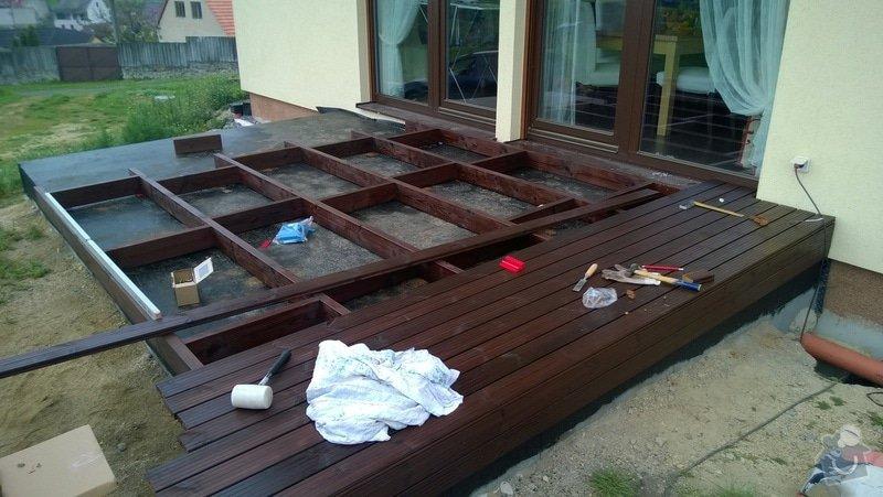 Pokládka dřevěnné terasy: WP_20140422_002
