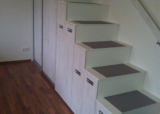Zhotovení schodů z pochozích skříní