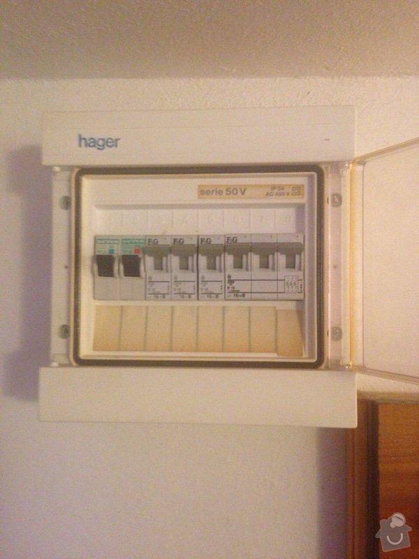 Elektrikář, zapojení dvou zásuvek a dvou světel: image-1372107843725-V