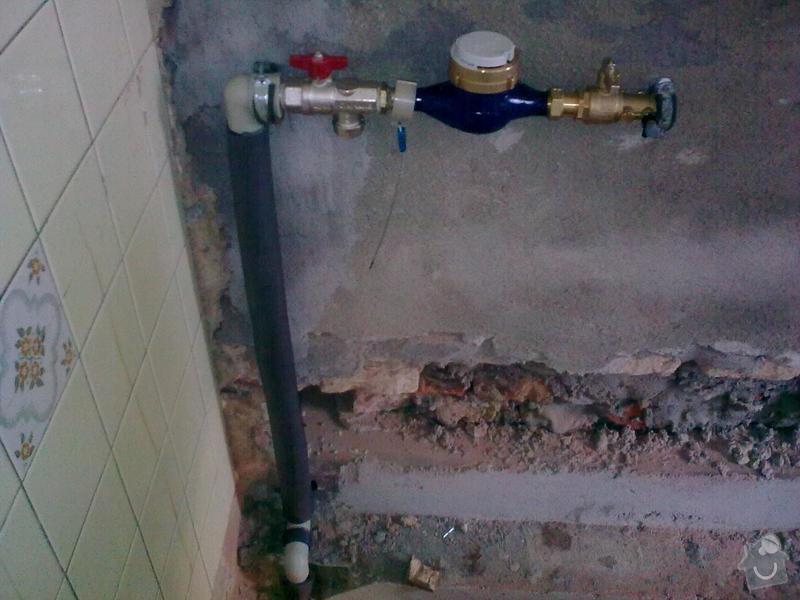 Voda,kanalizace,plyn rekonstrukce RD: Obraz0417