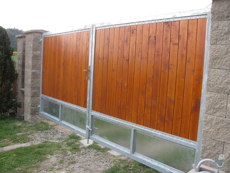 Nový plot+branka a brána: IMG_2297