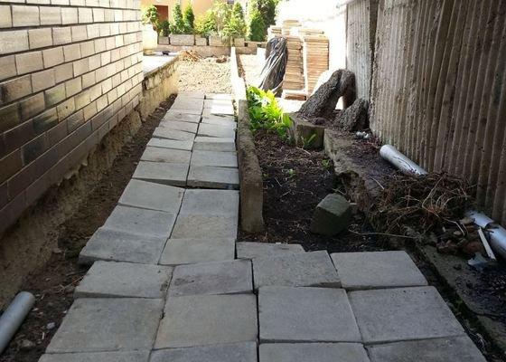 Odstranění betonového obrubníku