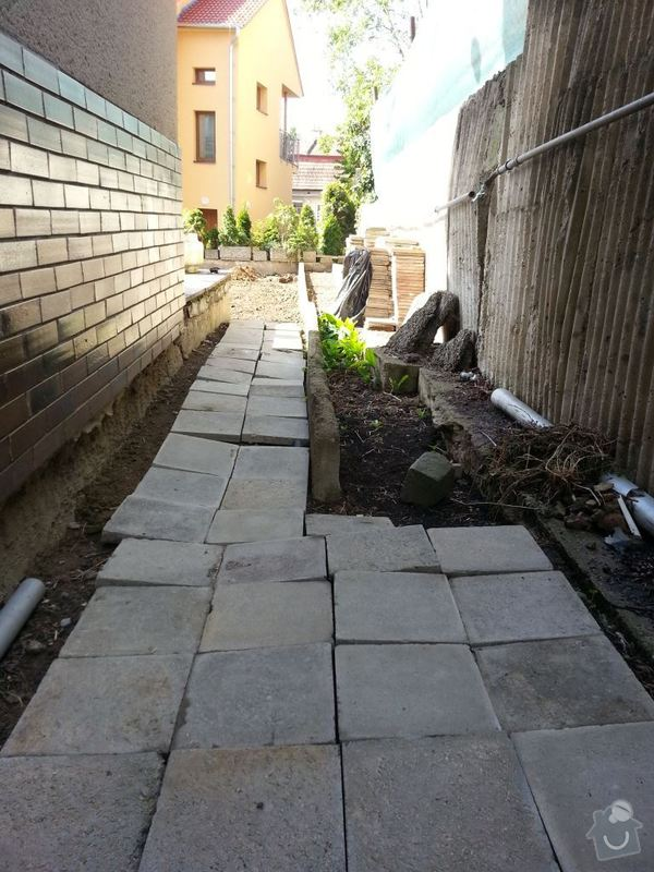 Odstranění betonového obrubníku: 20140510_093632