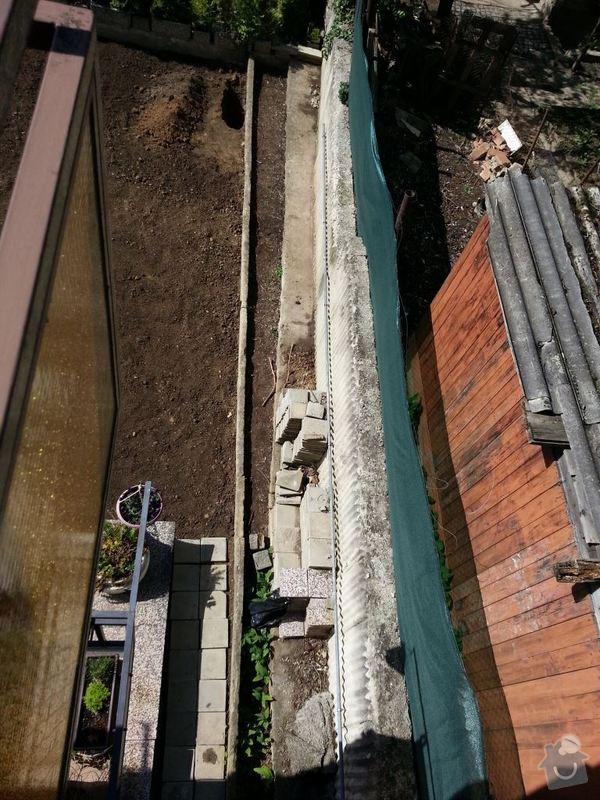 Odstranění betonového obrubníku: 20140510_100124