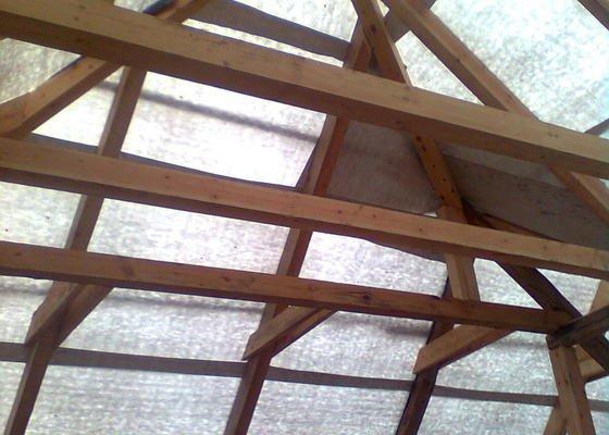 Rekonstrukce střechy - vazby, stavba komínů