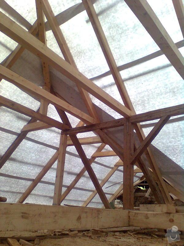 Rekonstrukce střechy - vazby, stavba komínů: Obraz0548
