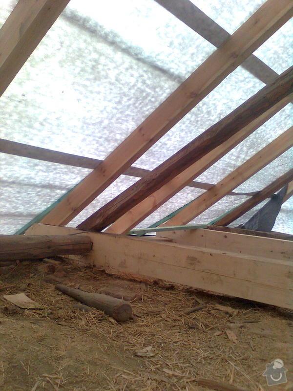 Rekonstrukce střechy - vazby, stavba komínů: Obraz0549