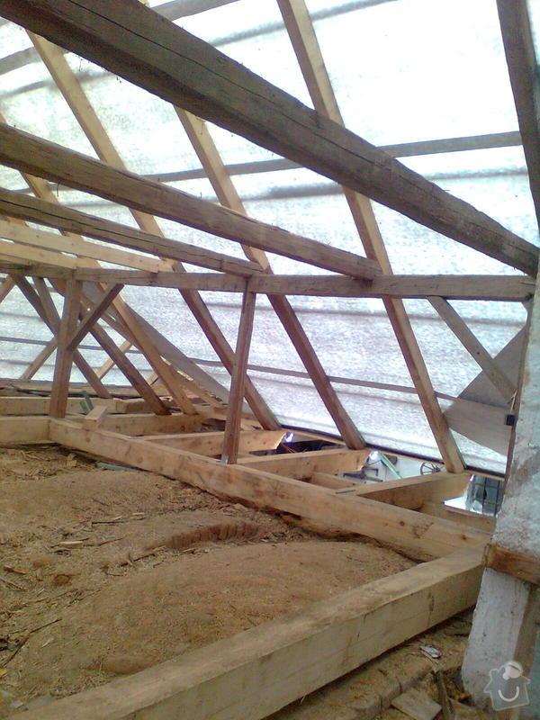 Rekonstrukce střechy - vazby, stavba komínů: Obraz0551