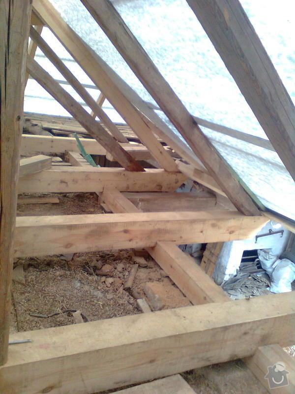 Rekonstrukce střechy - vazby, stavba komínů: Obraz0552