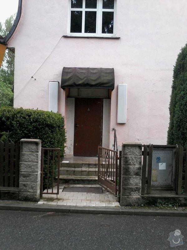 Přestavba - zrušení venkovních dveří, instalace okna: dvere