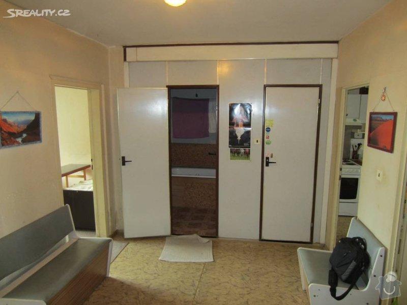 Návrh interiéru celého bytu: pred_rekonstrukci_-_chodba