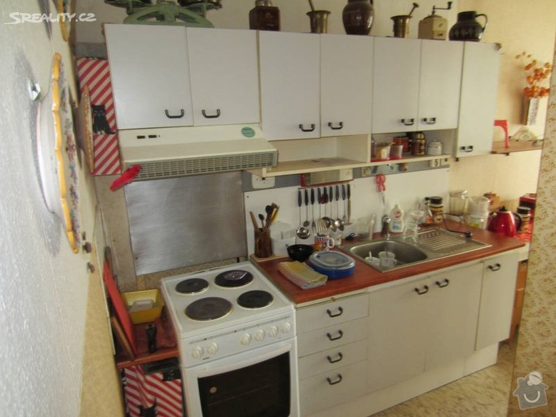 Návrh interiéru celého bytu: pred_rekonstrukci_-_kuchyne