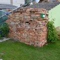 Stavba kotce a boudy pro bernskeho salasnickeho dsc 2541