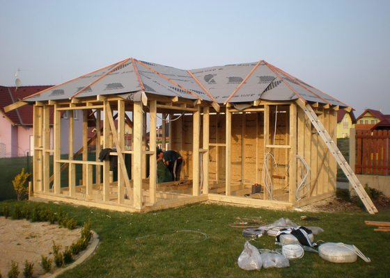 Dřevostavba - zahradní altán
